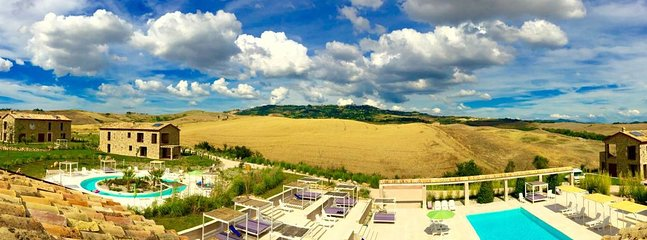 TUSCANY FOREVER RESIDENCE VILLA FAMIGLIA No.8 first floor apartment