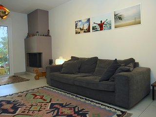 1AA29 Cozy apartment with Acropolis view.
