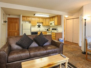 Trails End 310 Ski-in/Ski-out Condo Downtown Breckenridge Lodging