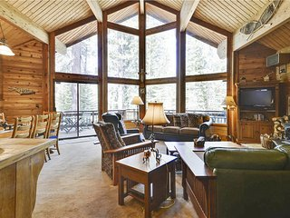 Fairway Family Cabin**On the Golf Course!**, Truckee