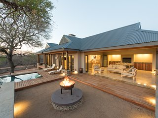 Nkanyi House- on wildlife estate near Kruger Park, Hoedspruit
