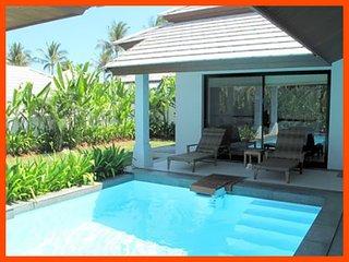 Villa 67 - Walk to beach swim play drink eat sleep walk to villa jump in pool
