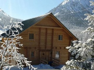 Chalet Anais & Apartment (Sleeps 11/15), Montgenevre