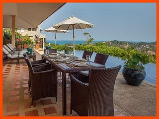 Villa 61 - Panoramic views with continental breakfast included