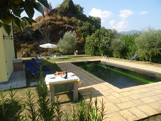 Villetta Terrazzo, pool, great views, WIFI, walk to restaurant, roof terrace