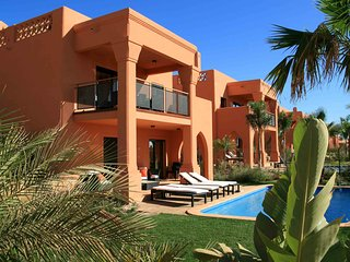 3 BEDROOM VILLA DELUXE IN ALCANTARILHA W/ POOL
