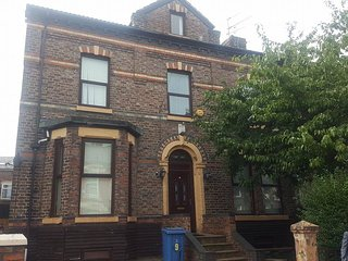 1Double 1single House in the Heart of Liverpool RG
