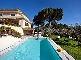Villa Bay, Rome