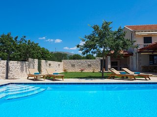Villa Antonija-Four Bedroom Villa with Pool, Cilipi