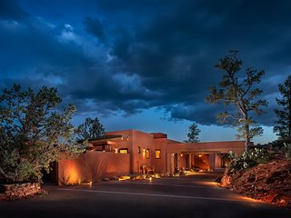"Sun Cliff a private ""Luxury Retreat for Two"", Sedona"