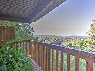 NEW! Remodeled1BR Sevierville Cabin w/Hot Tub!