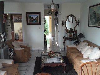 Bonita casa en residencial privado