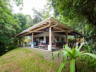 Rain forest surrounding Cedro Vacation Rental, Quepos