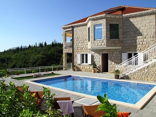 Villa Oasis Cypress-Three Bedroom Villa with Pool, Cilipi