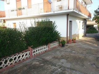 Appartamento in villa Giardino piano terra, Melilli