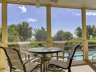 Surfside 12 #B1: Gulf Front! Bright & Beautiful 3 BR Only Steps to the Beach!, Isla de Sanibel