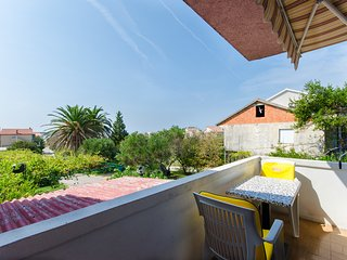 Apartments Slavenka - 85941-A1, Banjol