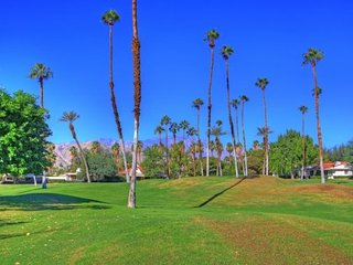 PAD6 - Rancho Las Palmas Country Club - 2 BDRM, 2 BA