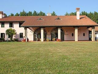 2 bedroom Villa in Mestre, Veneto, Italy : ref 5054796