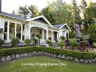 Farm Stay Karetu Downs B&B Stunning Waipara Gorge