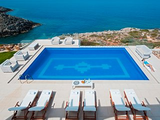 Villa Chryssi with heated pool and jacuzzi