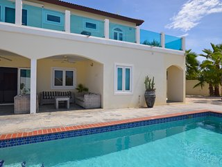 Beautiful Private Villa behind Marriott Palm Beach Merlot Villas Aruba