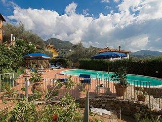 Massarosa Apartment Sleeps 5 with Pool and WiFi - 5055182