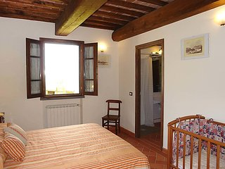 Rinecchi Apartment Sleeps 5 with Pool Air Con and Free WiFi - 5060472