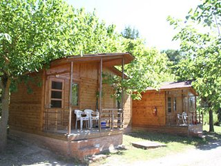 Camping Montsec - Bungalow Standard 2 - (4 Adultos), Ager