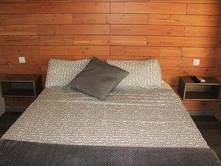 Camping Montsec - Bungalow Suite 1 - (4 Adultos), Àger