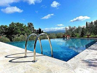 8 bedroom Villa in Arezzo, Italy : ref 2215358