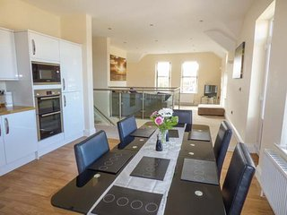 2D LOWDALE LANE, first floor apartment, private enclosed garden, WiFi, in Sleights, Ref 936831
