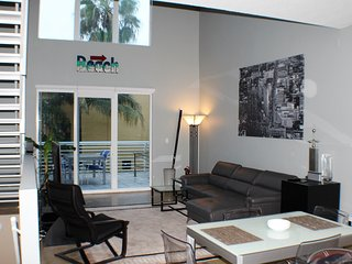 Island City Retreat, Wilton Manors