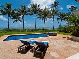 House for rent in Honolulu HI, - Hawaii apartments for rent - backpage.com - The Paradise Beach Estate is a 4676 sq, 4 bedroom beauty with a 2 car garage, private pool & jacuzzi and a whole host of other luxurious amenities