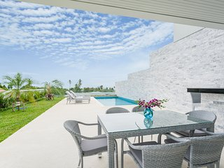 SSRV 1 - Gorgeous 3BR Villa with Gorgeous Sea and Sunset Views, Choeng Mon