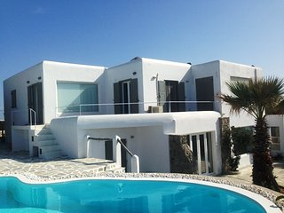 Villa Aristotle Mykonos 4 bedrooms gay friendly