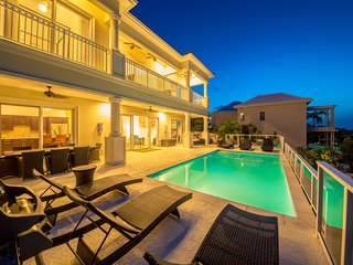 Sunset Close - Ideal for Couples and Families, Beautiful Pool and Beach