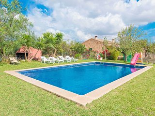 Barcarola- Villa for 6 guests with pool in Lloseta