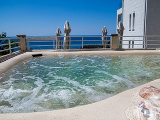 Villa Vestell - Two-Bedroom Villa with Terrace and Private Pool with Sea View, Mlini