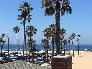 414 C East Oceanfront- Upper Rear 2 Bedroom 2 Bath, Newport Beach