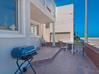 106 A 30th Street- Lower 3 Bedrooms 2 Baths, Newport Beach
