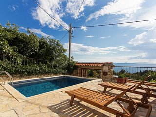 Charming holiday home in Podgora with pool