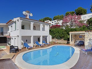 Detached Villa, Private Pool, Walk to Cafe & Bar´s