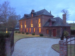Stunning 5 bedroom French Manor house, Normandy with heated pool