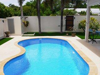 Belle villa sur Rawai avec piscine privee, 2 ch