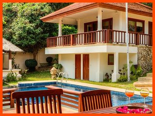 Villa 33 - Walk to beach (2 BR option) continental breakfast included, Choeng Mon