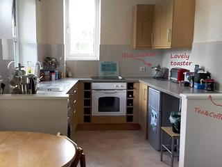 1-Bed central flat, WiFi, washing machine, kitchen, Newbury