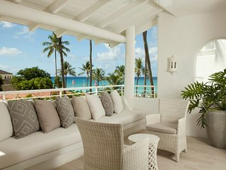 Glitter Bay 304 - Ideal for Couples and Families, Beautiful Pool and Beach
