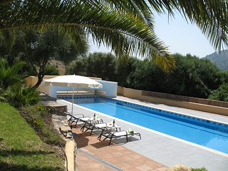 Stunning 5 bedroom Country Villa, huge 20m x 5m Pool, wonderful mountain views, Gaucin