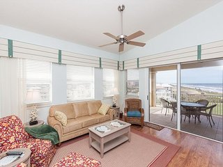 Top Floor Penthouse Oceanfront Beauty 461 - Best views in the community!!